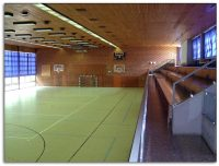 Sporthalle-inf-700